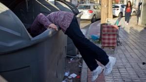 mujer-basura